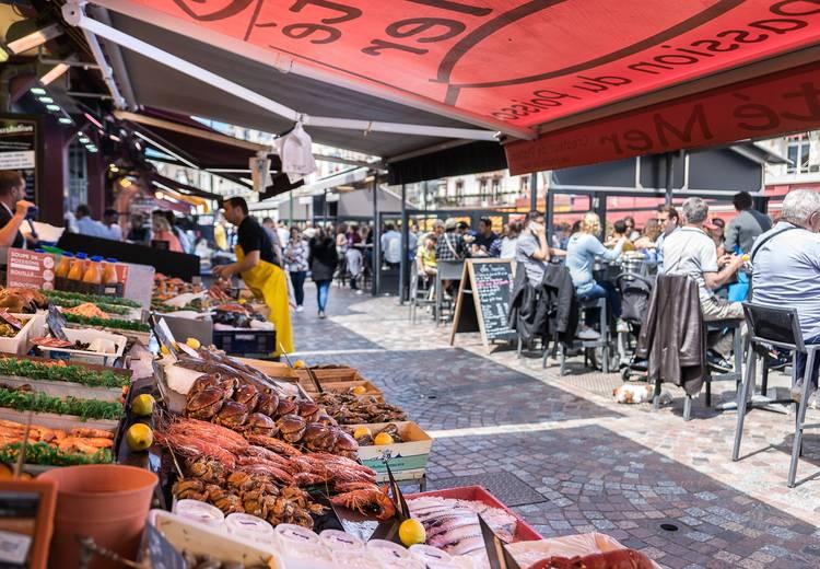 Marché de la halle aux poissons Calvados Tourisme