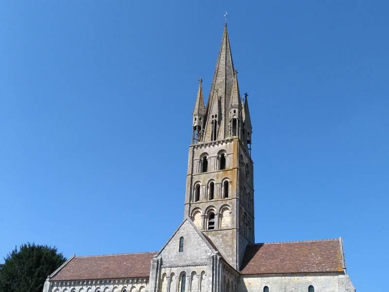 Secqueville-en-Bessin et son église